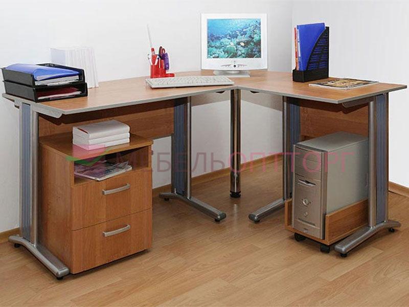 Стол письменный на металлических ногах - купить за 0.00 руб..